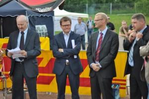 Carsten Schneider MdB (2005 bis 2013 haushaltspolitischer Sprecher der SPD-Bundestagsfraktion. Seit dem 19. Dezember 2013 ist er einer der sieben stellvertretenden Vorsitzenden der SPD-Bundestagsfraktion) während der Eröffnungsfeier bei der 7. Deutschen Zollmeisterschaft in Erfurt 2011