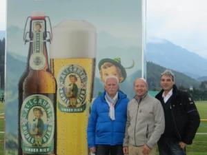 Karl Heinz Speicher (DZSH), Herr Grömmer (Allgäuer Brauhaus) und Jörg Bloy (DZSH)
